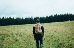 hiker-598204_1280