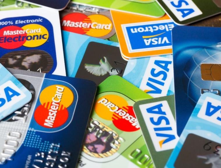 150316101323-credit-card-stunning-stats-1024x576