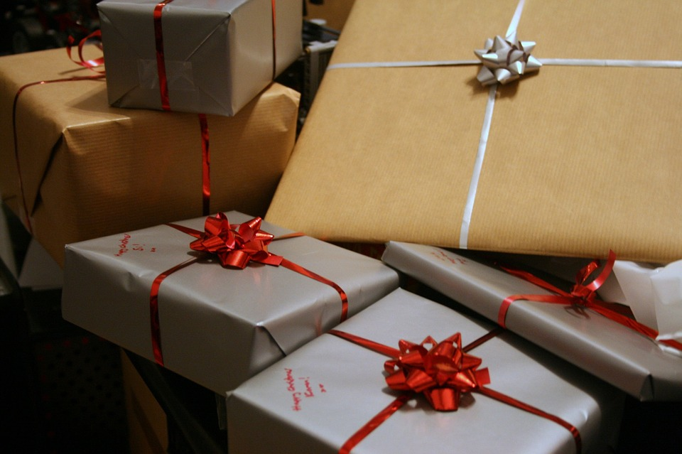Presents Gifts Wrapped Ribbons Bows Packages